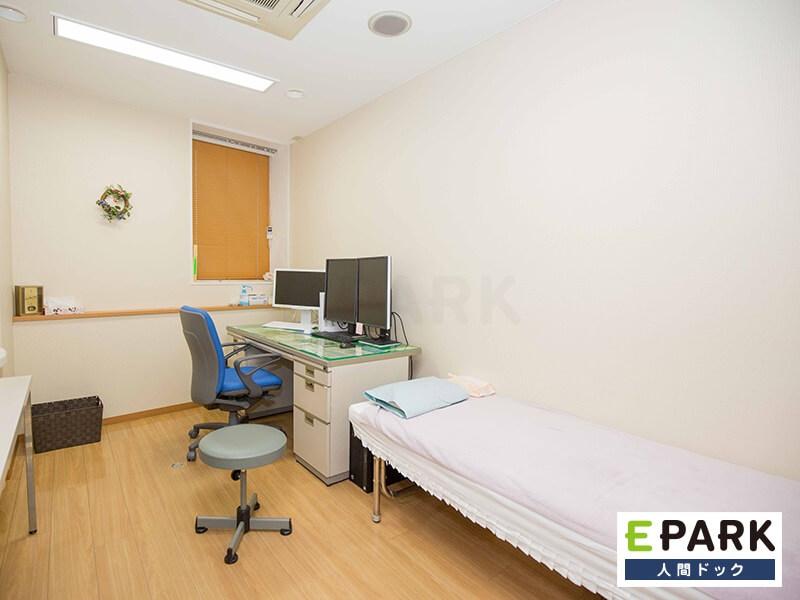 こちらが診察室です。親切丁寧な診察を心がけております。