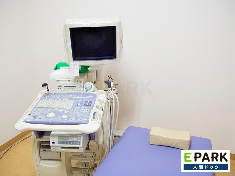 眼底カメラ検査をはじめ健診より多い検査項目を備える「半日ドック」