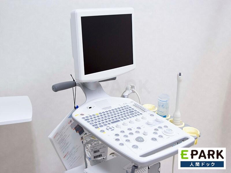 経膣エコー検査で使用する超音波装置です。