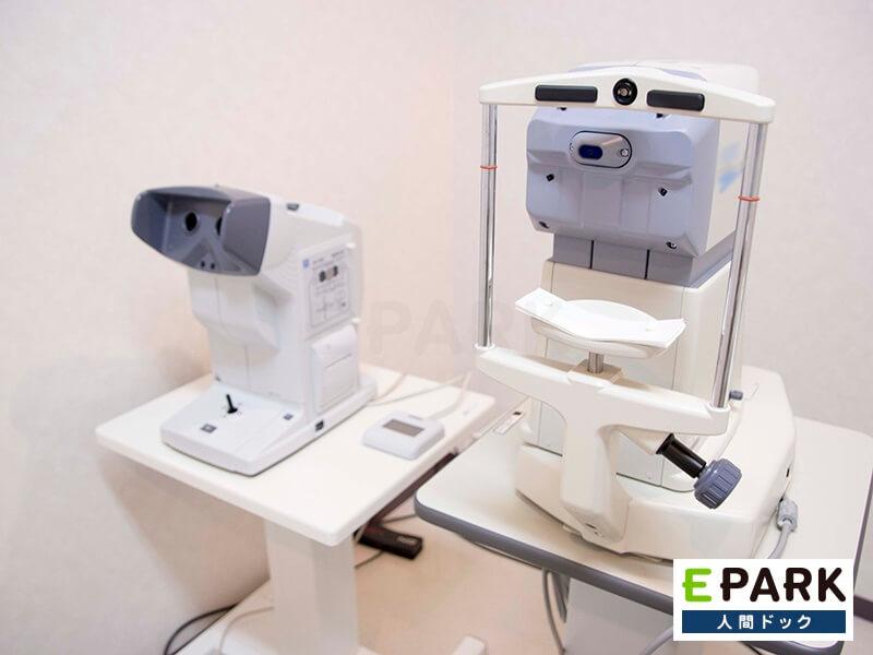 視力検査などを行う装置です。