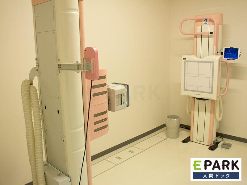 胸部X線検査で肺がんをチェック。
