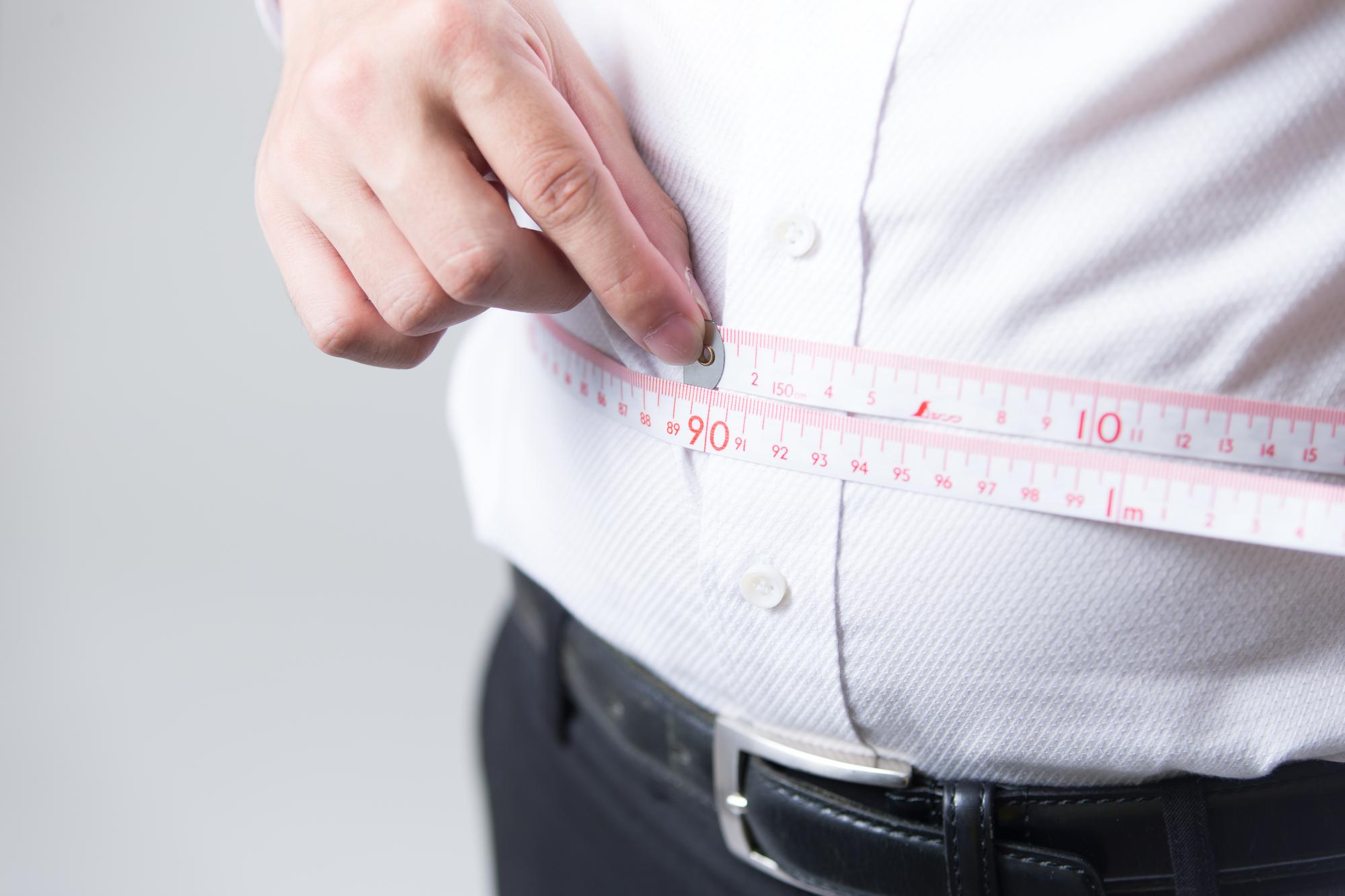 太っている男性