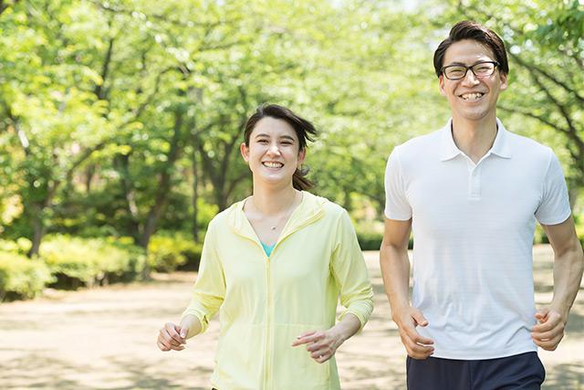逆に有酸素運動をすれば、HDL(善玉)コレステロールは増やせます。