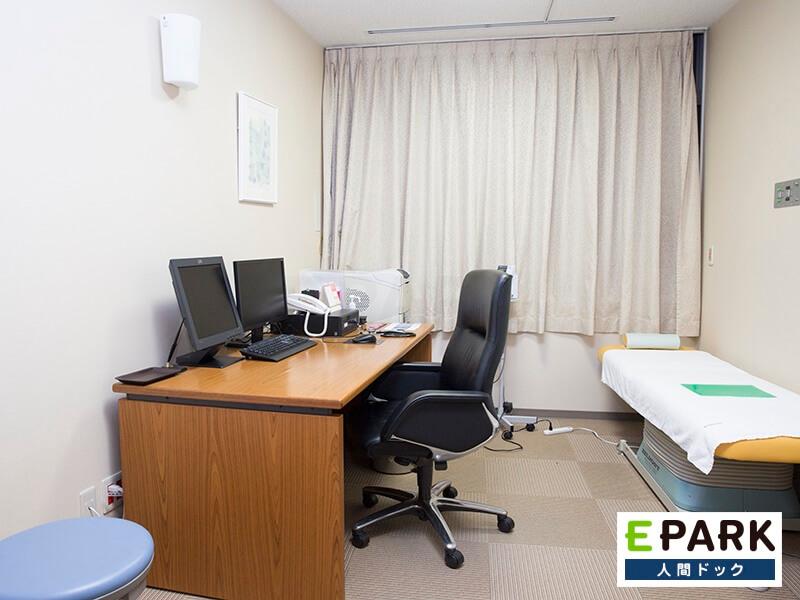 四谷メディカルキューブの診察室
