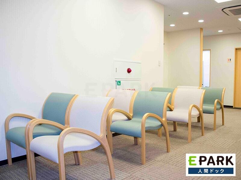 登美ヶ丘画像診断クリニックの待合室