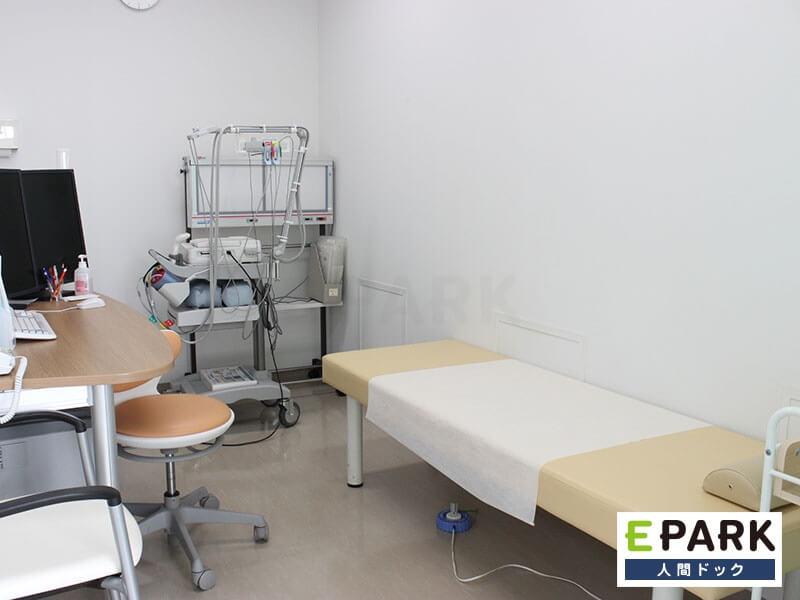 にしくぼ診療所の検査室