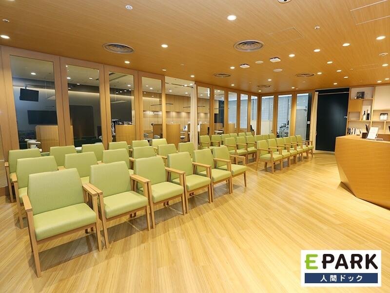 至便なアクセス環境で、快適な受診空間を用意。
